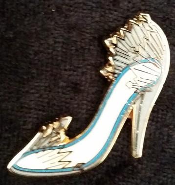 54b8a910a4c View Pin: 2014 - Disney Divas Shoes - Mini-pin Set - Elsa ONLY